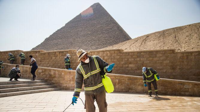 Piramidy, muzea. Egipt zamyka i dezynfekuje atrakcje turystyczne