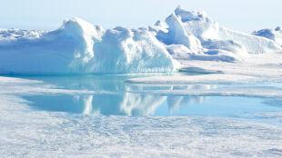 Arktyka: przez 30 lat objętość lodu zmniejszyła się o 50 proc.