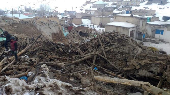 Zabici, ranni w stanie krytycznym. Trzęsienie ziemi na granicy Turcji z Iranem